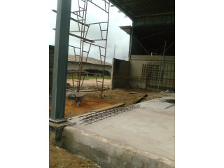 Location entrepot 2000 m2 à N'dotré, Anyama