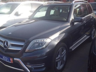 2015 Mercedes GLK350 Full option