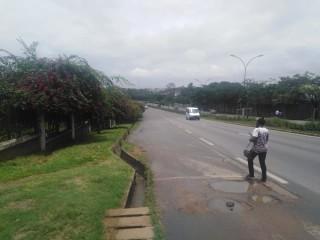 Cocody Ambassade à proximité de l'université Félix houphouet boigny vente terrain 4857m2
