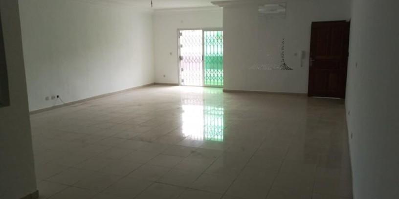 4-pieces-disponible-en-appartement-a-la-9e-tranche-vers-cgk-big-0
