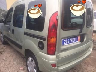Renault kangoo manuelle essence immat. HE