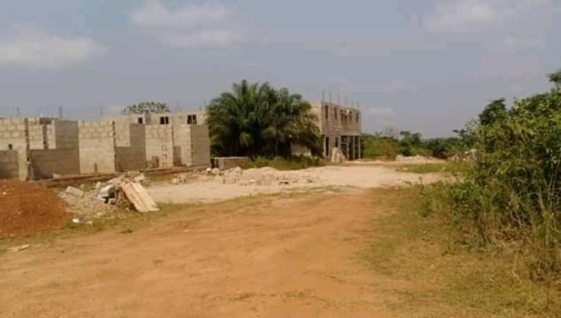terrain-en-vente-a-yamoussoukro-avec-un-acd-big-3