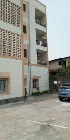 cocody-riviera-rosier-vente-bel-immeuble-r3-bien-carrele-big-2