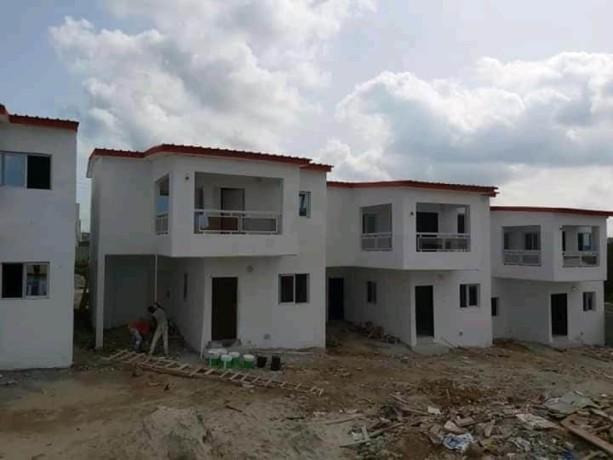 villa-duplex-de-4-pieces-en-vente-a-faya-big-0