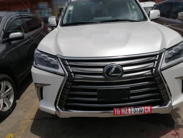 lexus-lx570-annee-2019-big-4